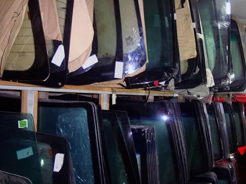 انواع شیشه اتومبیل و کاربرد آن ها